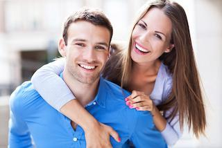 Couple hugging | Dentist Toronto ON