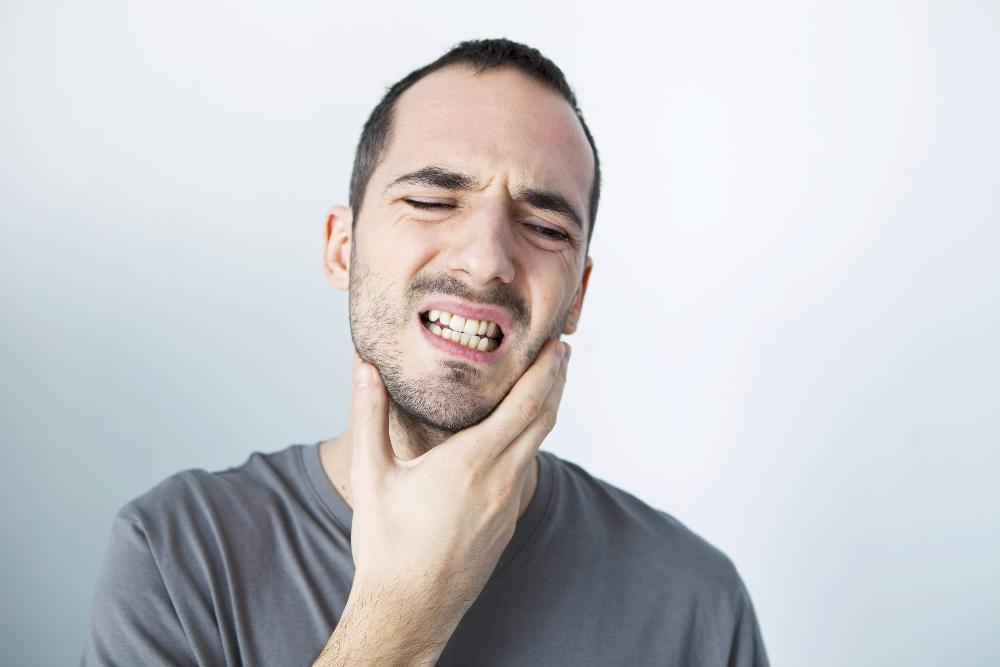 Main holding jaw in pain | Etobicoke ON Dentist
