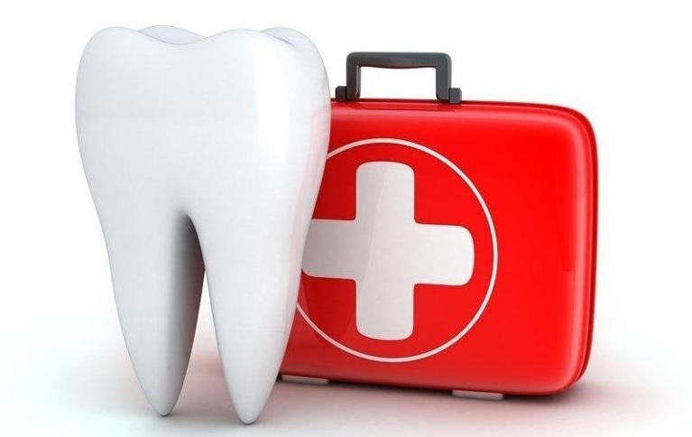 Illustrated tooth and first aid kit | Toronto ON Dentist